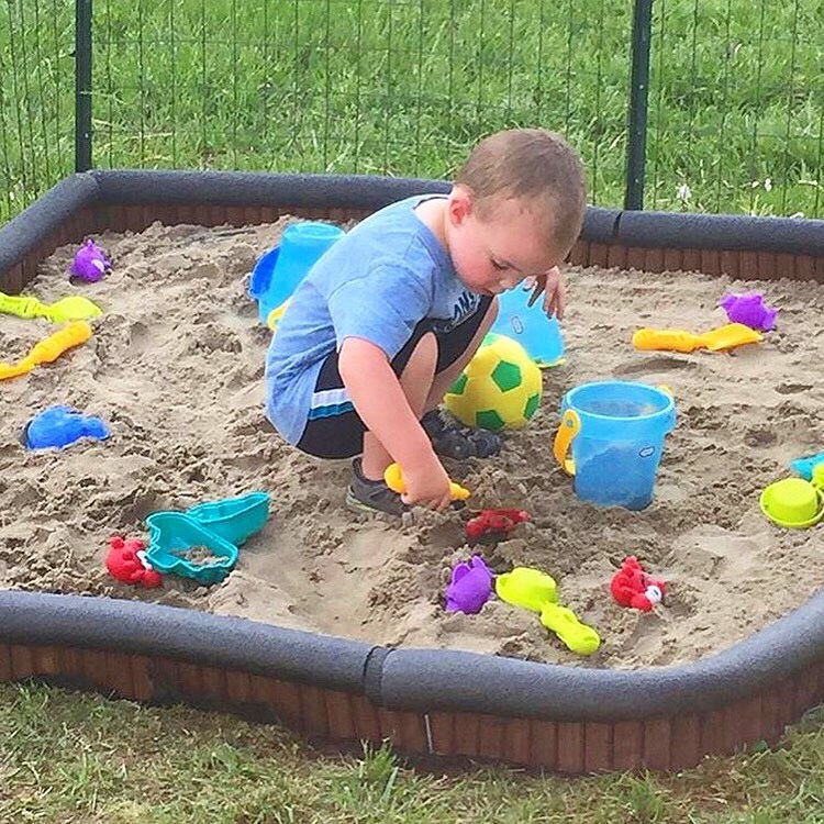 autism-and-sandbox-play