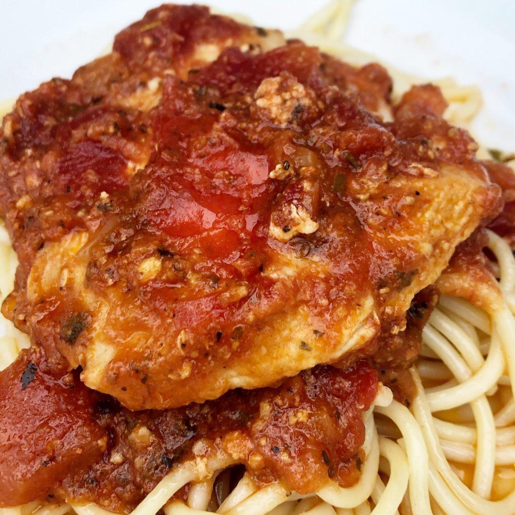 crock-pot-chicken-spaghetti-in-tomato-sauce